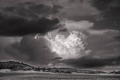 Vale Digital Art - The Impending Storm by William Fields