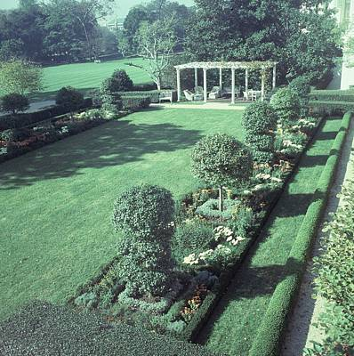 Lyndon Photograph - The Jacqueline Kennedy Garden At The White House by Horst P. Horst