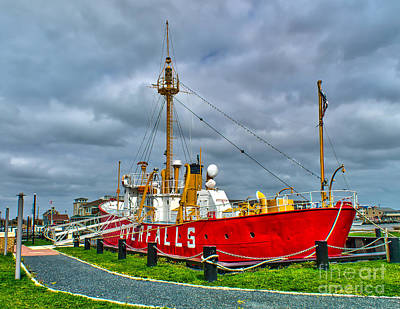 Photograph - The Lightship In Lewes by Nick Zelinsky
