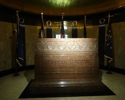 Emancipation Proclamation Photograph - The Lincoln Tomb by Dan Sproul