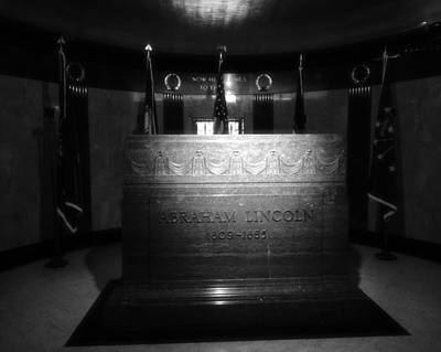Politicians Royalty-Free and Rights-Managed Images - The Lincoln Tomb In Black And White by Dan Sproul