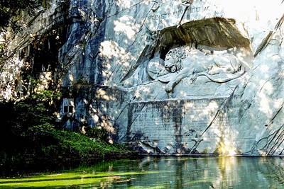 Photograph - The Lion Monument In Lucerne Switzerland by Marilyn Burton
