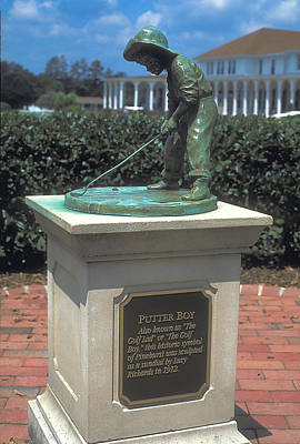 Golf Statues Photograph - The Little Golfer At Pinehurst by Carl Purcell