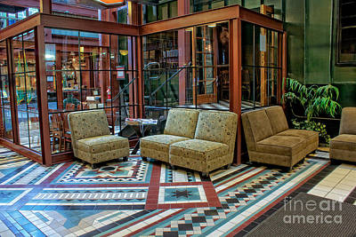 The Lounge Original