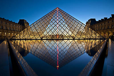 Photograph - The Louvre by Ng Hock How