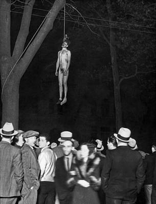 The Lynching Of A Murderer Art Print by Underwood Archives