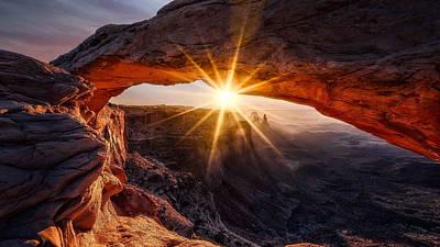 Glare Photograph - The Mesa Arch by Ren? Colella