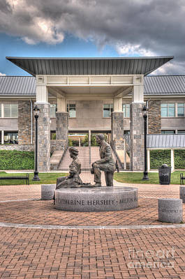 Photograph - The Milton And Catherine Statue In Front Of The Copenhaver Center by Mark Dodd