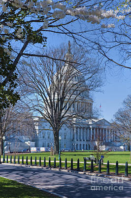Photograph - The Nations Capital Architecturally Impressive Building by David Zanzinger