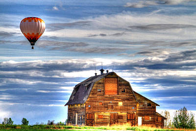 Photograph - The Old Barn And Balloon by Scott Mahon