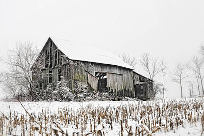 Photograph - The Old Barn by John Kiss