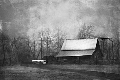 Photograph - The Old Barn by Theresa Tahara