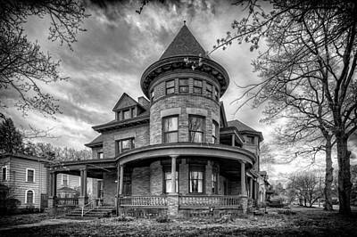 Old House Photograph - The Old House 2 by Emmanuel Panagiotakis