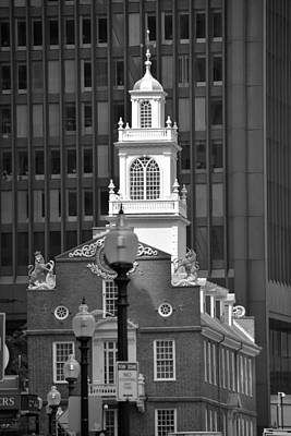 Photograph - The Old State House by John Schneider