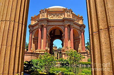 Photograph - The Palace Of Fine Arts In The Marina District Of San Francisco by Jim Fitzpatrick