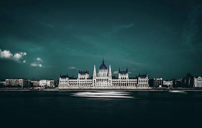 England Photograph - The Parliament by Carmine Chiriaco'