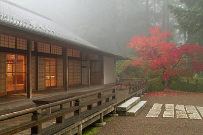 Sutton Photograph - The Pavilion At The Portland Japanese by William Sutton