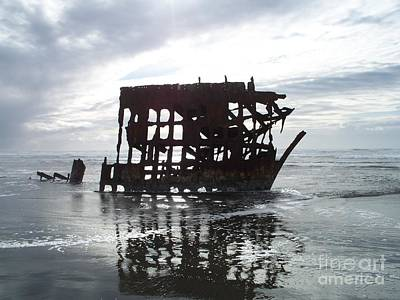 Photograph - The Peter Iredale At Low Tide by Chalet Roome-Rigdon