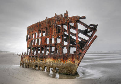 Photograph - The Peter Iredale by Geraldine Alexander
