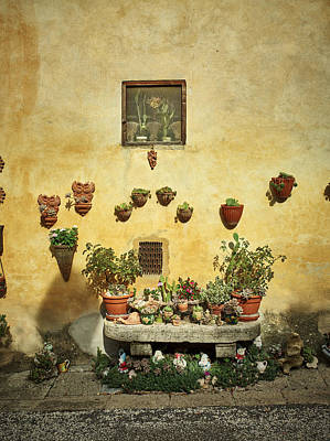 Italian Pottery Photograph - The Pottery Wall In Tuscany by Roberto Pastrovicchio