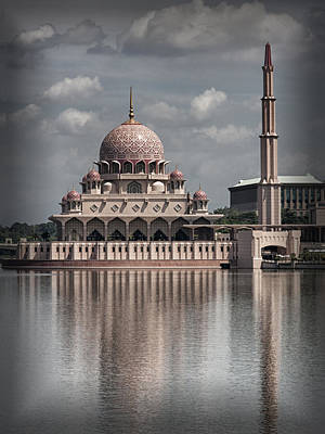 Photograph - The Putra Mosque In Putrajaya In Malaysia by Zoe Ferrie