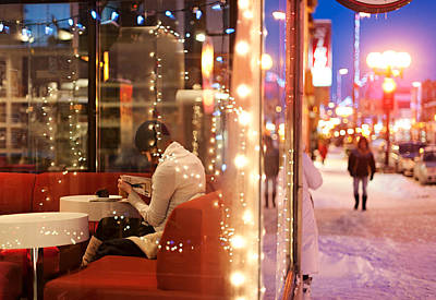 Montreal Winter Scenes Photograph - The Reading Girl At The Coffee Shop by David Giral
