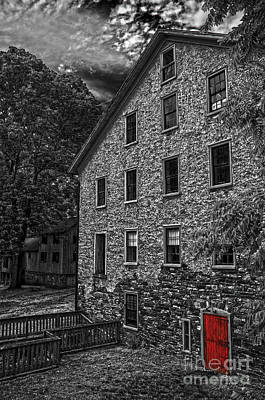 Photograph - The Red Door by Debra Fedchin