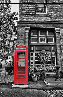 Savannah Street Scenes Photograph - The Red Telephone Box - Time For Tea by Lee Dos Santos