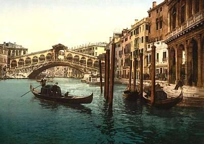 The Rialto Bridge Venice Italy Art Print by L Brown