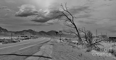 Desserted Photograph - The Road To Tonapah by C Lythgo