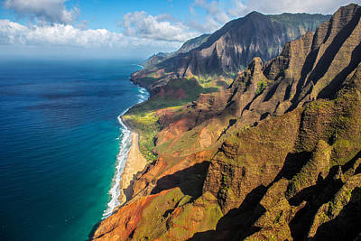 Kauai Photograph - The Rugged Na Pali Coast by Guy Schmickle