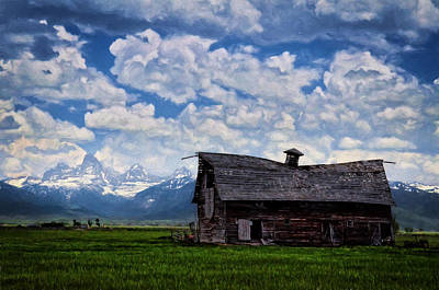 Photograph - The Saggy Barn by Ken Smith