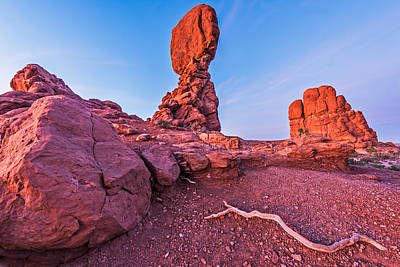 Arch Drawing - The Serpent And The Rock - Arches National Park Photograph by Duane Miller