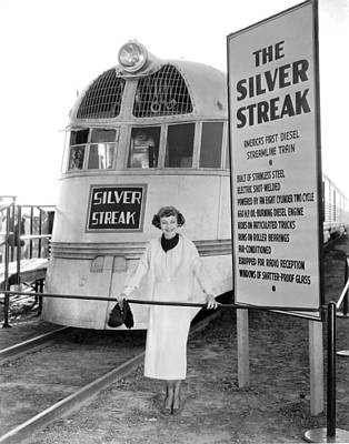 B-movie Photograph - The Silver Streak Train by Underwood Archives