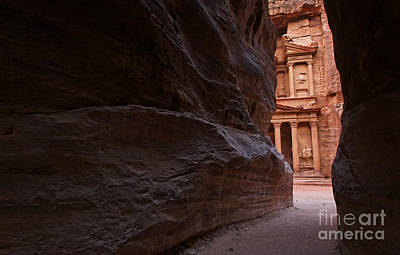 The Siq And Treasury At Petra Art Print by Robert Preston