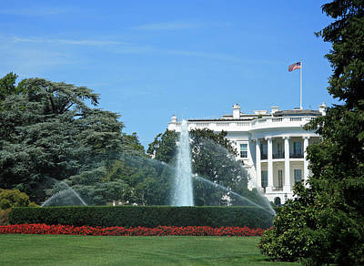 Photograph - The South Lawn Of The White House by Cora Wandel