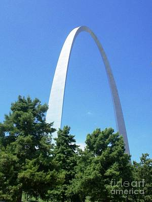The St. Louis Arch Art Print by Kelly Awad