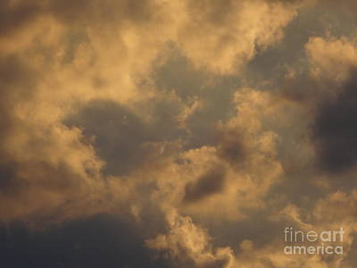 Photograph - The Storm Is Here 3 by Rod Ismay