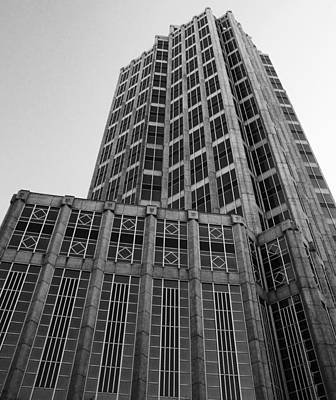Photograph - The Suntrust Building by Beverly Stapleton