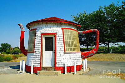 The Teapot Dome  Print by Jeff Swan