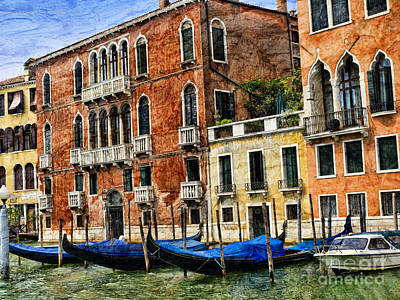 Photograph - The Texture Of Venice Is In Its Palaces  by Brenda Kean