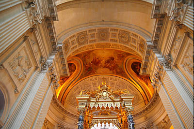 Streetlight Photograph - The Tombs At Les Invalides - Paris France - 01137 by DC Photographer