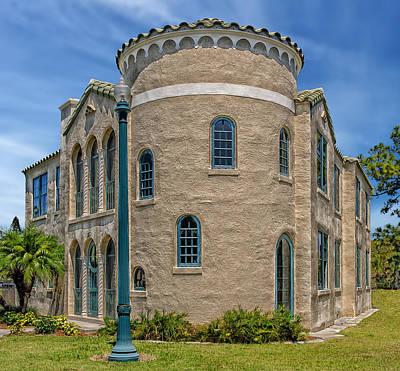 Photograph - The Triangle Inn - Venice Florida by Frank J Benz