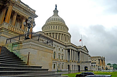 Photograph - The United States Capitol by Jim Fitzpatrick