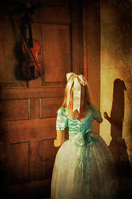 Music Room Wall Art - Photograph - The Violn by Harry Wentworth
