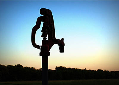 Old Fashioned Water Pump Photograph - The Water Hydrant by Cricket Hackmann