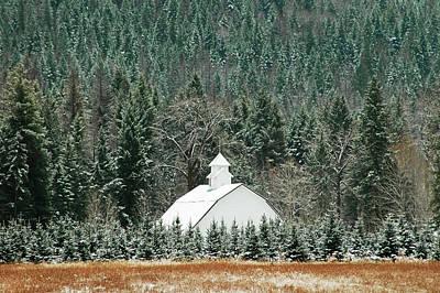 The White Barn Print by Annie Pflueger