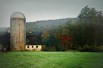 Barn And Silo Photograph - The White Silo by Diana Angstadt