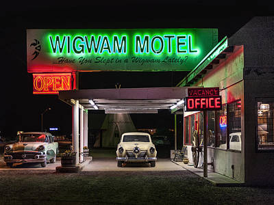 The Wigwam Motel Neon Art Print by Gary Warnimont