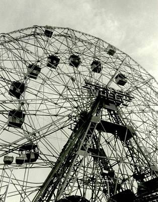 Photograph - 'the Wonder Wheel' by Liza Dey